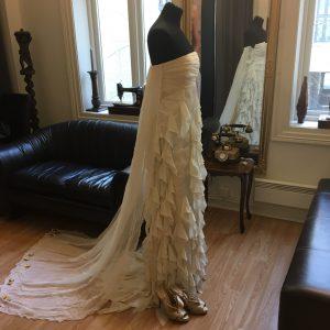 c09c2de9 Nydelig brudekjole fra TSH